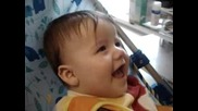 Забавен Бебешки Смях