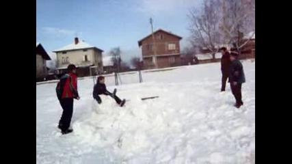 Пребии Снежния Човек!
