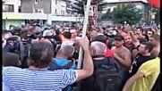 Оператор на Бтв удря Петър Низамов Перата на протеста в Асеновград