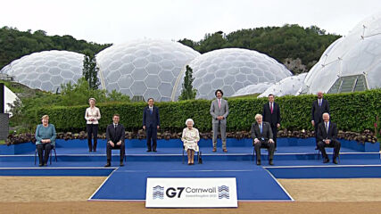 'Enjoying yourself?' - Queen Elizabeth gets laugh from G7 leaders in Cornwall