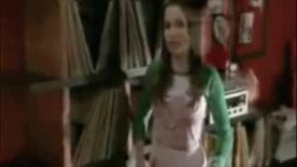 Brooke And Peyton - Breathe Me