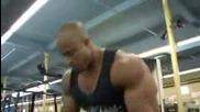 Victor Martinez - Тренира Гръб