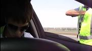 да караш с 174 километра в час и да изкараш че полицая греши. хахаха