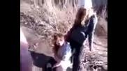 Избиение девушки в городе Гусев