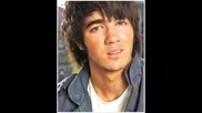 Kevin Jonas пее Please Be Mine