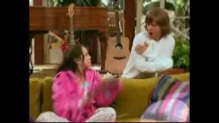 Hannah Montana - Me and Mr. Jonas and Mr. Jonas and Mr. Jonas (епизод 16,  сезон 2,  част 1)