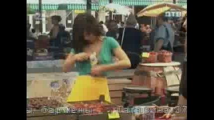 Голи И Смешни - На Пазара