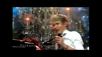 Разбираш ли сега, защо ти пееме нахакано? [ One Direction ]