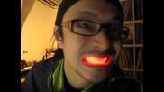 Неонови зъби - Смях