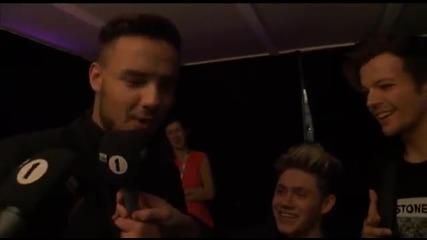 100 % смях! Невероятно интервю на One Direction след наградите Брит! + Бг Превод : D