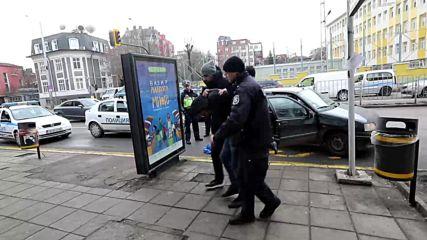 СЛЕД ГОНКА КАТО НА КИНО: Задържаха мъже, разбивали коли в София