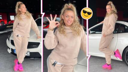 Яна Димитрова се фука с нов и скъпарски автомобил