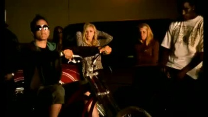 Avril Lavigne (feat. Lil Mama ) - Girlfriend