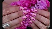 Маникюр с цвете хибискус
