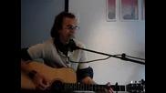 Мъж Пее Through The Monsoon