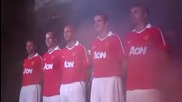Манчестър Юнайтед представят новите си екипи