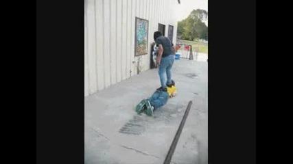 Човекът скейтборд (fun)