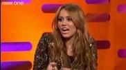 Превод! Justin Bieber се бъзика по телефона с Miley Cyrus.