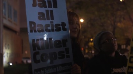 USA: Hundreds picket Chicago police HQ on anniversary of Laquan McDonald shooting