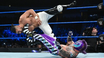Rey Mysterio vs. Andrade: SmackDown LIVE, 15 January, 2019