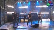 Nickelback – Gotta Be Somebody *LIVE* (+ Превод) High-Quality