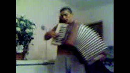 Muzikalniqt Invalid Ot Kameno 3