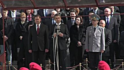 Президентът: Нашата история е богата на примери как народ и армия пазят държавата