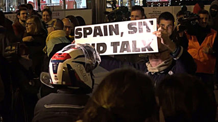 Spain: Hundreds of protesters hit Barcelona following election deadlock