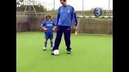 Малко дете прави финтовете на Cristiano Ronaldo