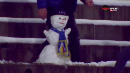 """Снежен човек на """"Герена"""", но главата му… падна"""