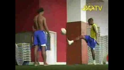 Robinho, Ronaldinho, Ronaldo Играят На 21