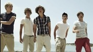 One Direction - What Makes You Beautiful ( Официално видео ) +превод!