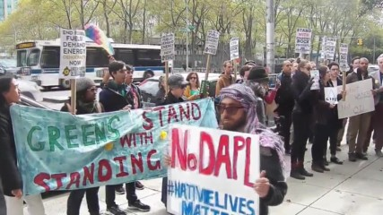 USA: Protesters picket Clinton's Brooklyn office over Dakota oil pipeline support