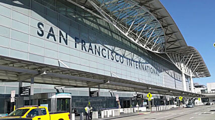 USA: Dozens of protesters block main entrance to San Francisco airport
