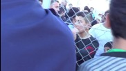 Greece: Chios refugees break for 'freedom' at hotpot after night of clashes