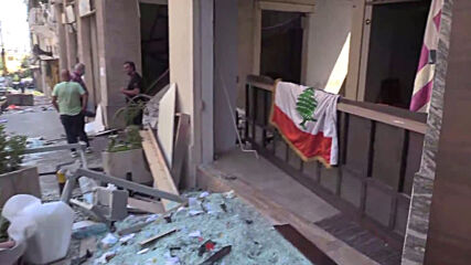 Lebanon: Blood and widespread destruction in Beirut city centre after blasts