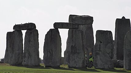 UK: Major Stonehenge restoration kicks off for first time in over 60 years