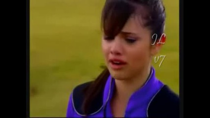 wizards of waverly place : The movie selena cryiing
