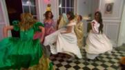 A dance party erupts during Nikki Bella's bachelorette party in Paris: Total Bellas Bonus Clip, July 22, 2018