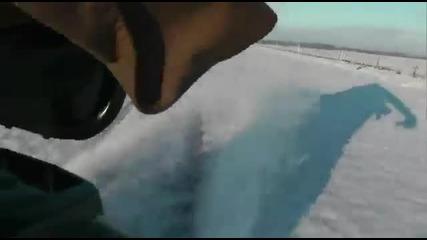 Скутер с 110 км/ч дрифт по снега