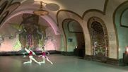 Russia: Kremlin Ballet dancers transform Novoslobodskaya metro station into ballet stage