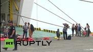 Гърция: Круизен кораб прибира 2500 бежанци и емигранти