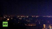 Снаряди осветяват небето над Донецк