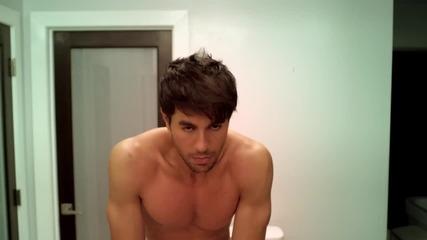 « Превод » Enrique Iglesias - Turn The Night Up ( Официално Видео )