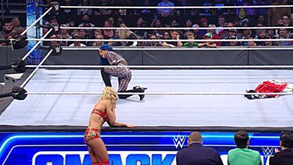 Charlotte Flair and Sasha Banks brawl during Women's Title exchange: SmackDown, Oct. 22, 2021