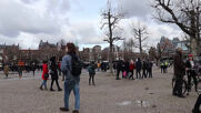 Netherlands: Police use water cannon to disperse COVID protest in Amsterdam