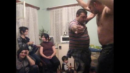 nai novia ku4ek 2010 na dvama badjanaci gledaite go nqama da sjelqavate