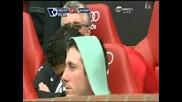 Роналдо се бъзика с Ван Дер Сар :)