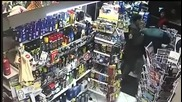 Пиян обезврежда крадец на бензиностанция