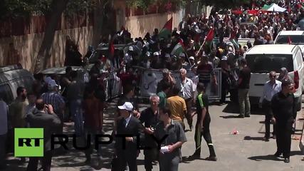 Стотици демонстранти по улиците в Газа